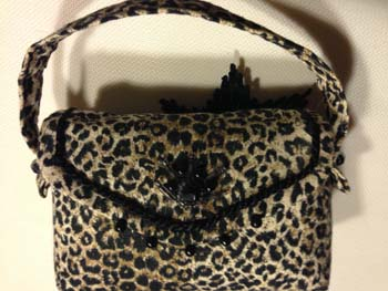 leopard-purse-pincushion-1423765044-jpg